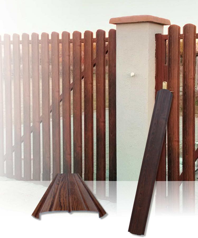 famintás kerítésléc kapura felrakva